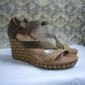 Toms Clarissa Olive Platform Wedge Sandal 9.5M
